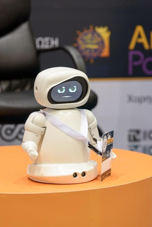 Το ρομπότ STIMEY